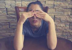 4 عادت غذایی که به درمان میگرن کمک میکنند