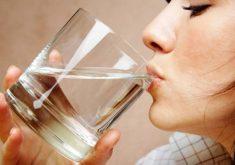 اگر بعد از بیدارشدن و با معده خالی آب بنوشید، این 8 اتفاق خارق العاده روی می دهد!