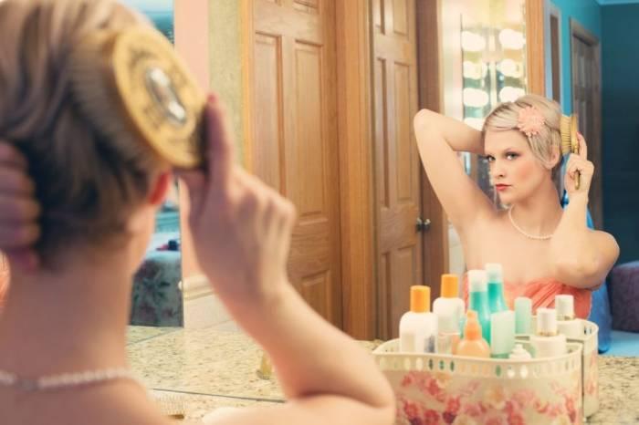 از انجام این 6 کار خود داری کنید زیرا موهایتان را کم پشت تر می کند