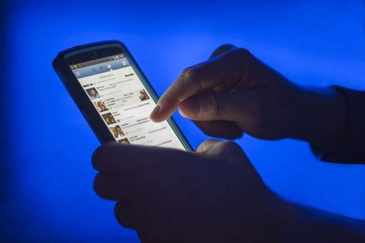 نحوه استفاده از تلفن هوشمند و طرحهای داده در اروپا