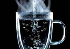 10 خاصیت شگفتانگیز نوشیدن آب داغ بر سلامت بدن
