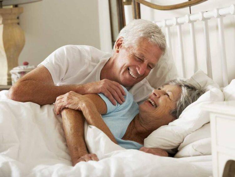 همه چیز درباره رابطه زناشویی در سنین بالای 50 و 60 سالگی