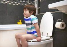 تشخیص و درمان یبوست در کودکان
