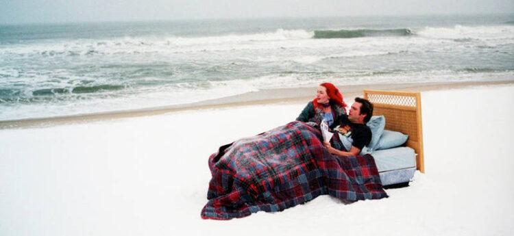 """معرفی 10 فیلم جذاب و دیدنی شبیه """"درخشش ابدی یک ذهن پاک"""" (Eternal Sunshine of the Spotless Mind)"""