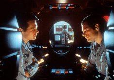 """معرفی فیلم """"۲۰۰۱: ادیسه فضایی"""" (2001: A Space Odyssey)؛ روایتی جسورانه از هستی انسان"""