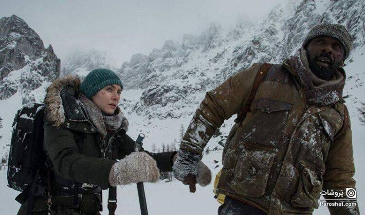"""معرفی فیلم """"کوهِ میان ما"""" (The Mountain Between Us)؛ داستان عاشقانهای که از دل یک حادثه به وجود میآید"""